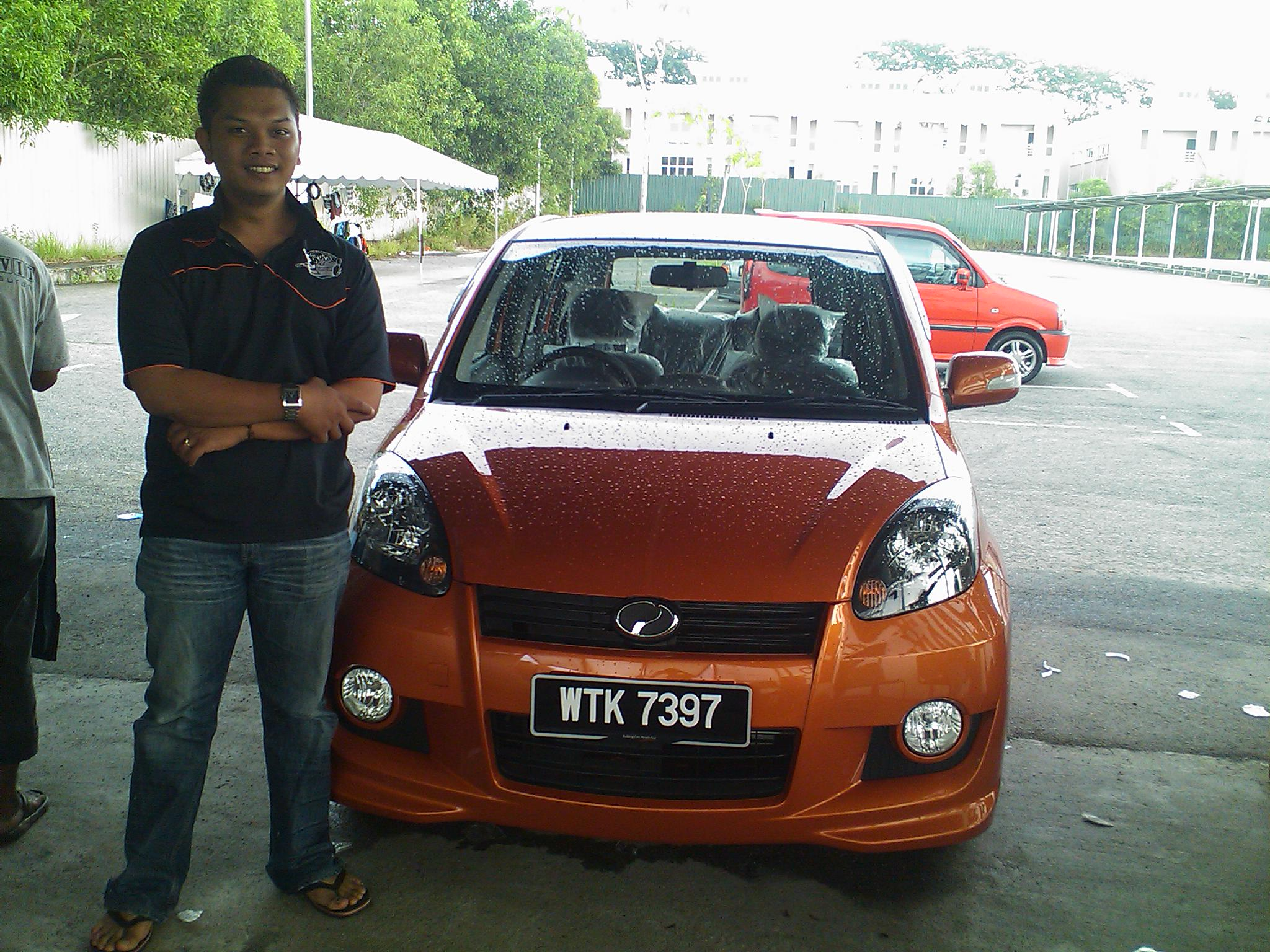 Perodua Myvi Se. Perodua Myvi SE Orange